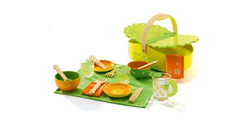 Janod picnic play set available from Henry & Lily