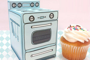 Claudine Hellmuth printable retro oven cupcake boxes