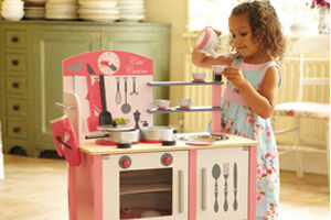 Have fun in the kitchen with the new toys from Janod