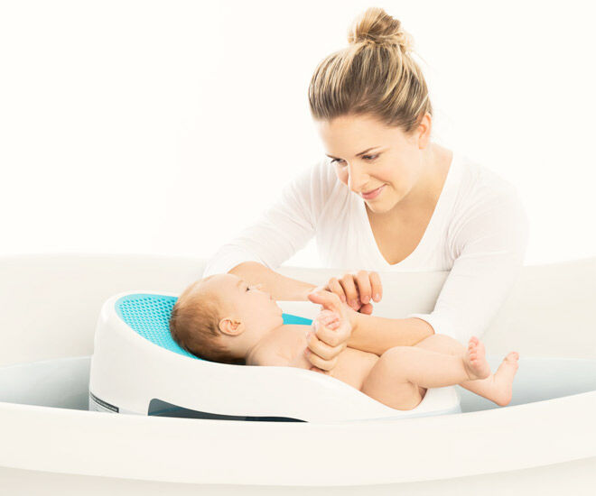 Make bathing babies easy with the bath support from Angelcare