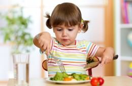 11 ways to make teaching table manners a breeze | Mum's Grapevine