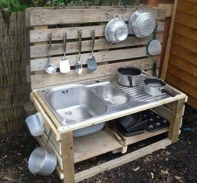 outdoor mud pie kitchens made from pallets