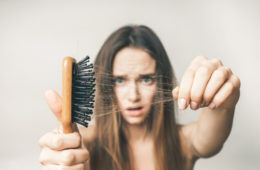 hair brush mum loss thinning shedding postpartum