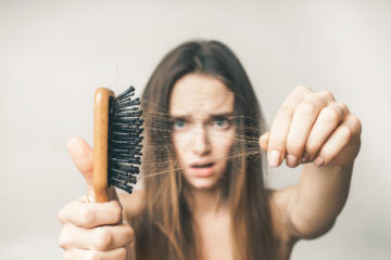hair brush mum loss thinning shedding postpartum