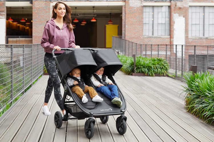 The best twin prams that take two carrycots | Mum's Grapevine
