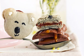 Recipe for caramel koala macarons via Raspberri Cupcakes | Mum's Grapevine