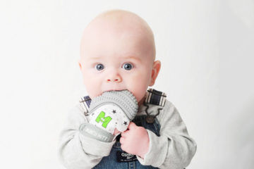 Munch Mitt, the world's first wearable silicone teether | Mum's Grapevine