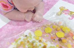 Easy DIY baby sensory bags | Mum' Grapevine