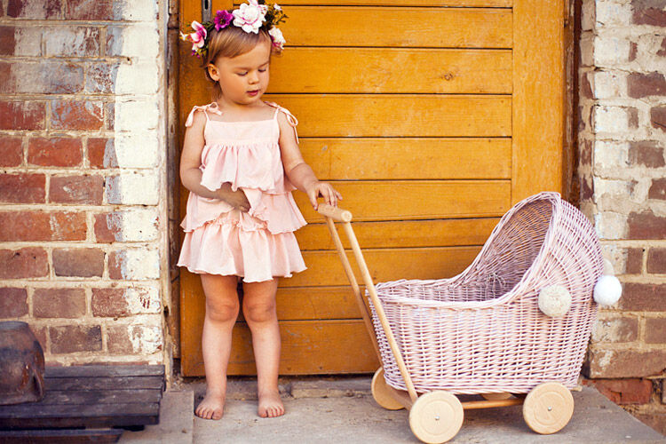 8 best doll prams for pretend play | Mum's Grapevine