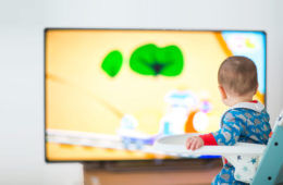 Screen time affects baby's sleep